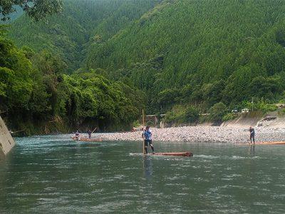 [徳島の夏]7月最後の日曜日は「木頭杉一本乗り大会」