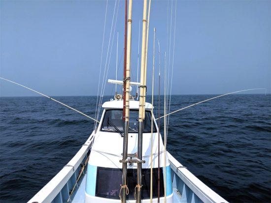 2019年7月28日(日)大野海苔の専務さんと釣りに行きました:竿もプロ仕様で船体固定の超ロング
