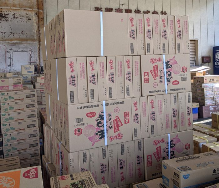 [新製品]徳島製粉「金ちゃん玉ねぎらーめん」の初荷が届きました!
